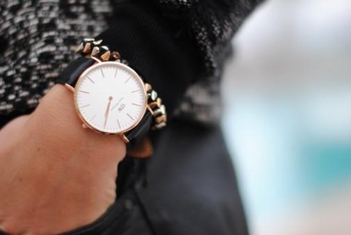 daniel-wellington-watch-black-leather-details