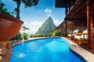 14-honeymoon-resorts-with-private-plunge-pools09ladera
