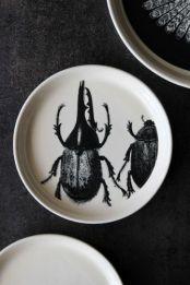 day-birger-et-mikkelsen-ceramics-beetles-14.6cm-dia-cake-plate-33007-p[ekm]335x502[ekm]