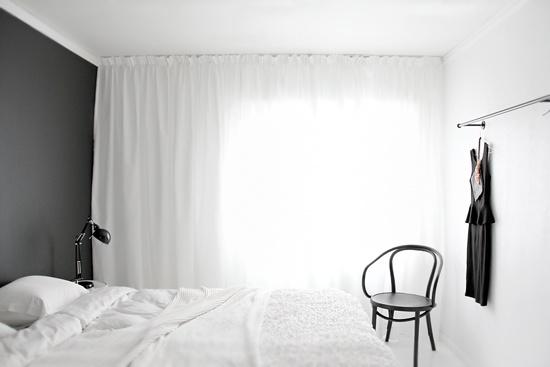 Black-and-white-bedroom-Stylizimo