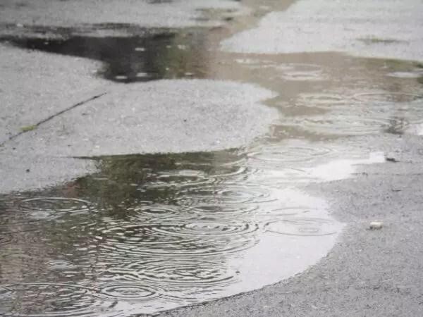 住宅 基礎工事 コンクリ 雨