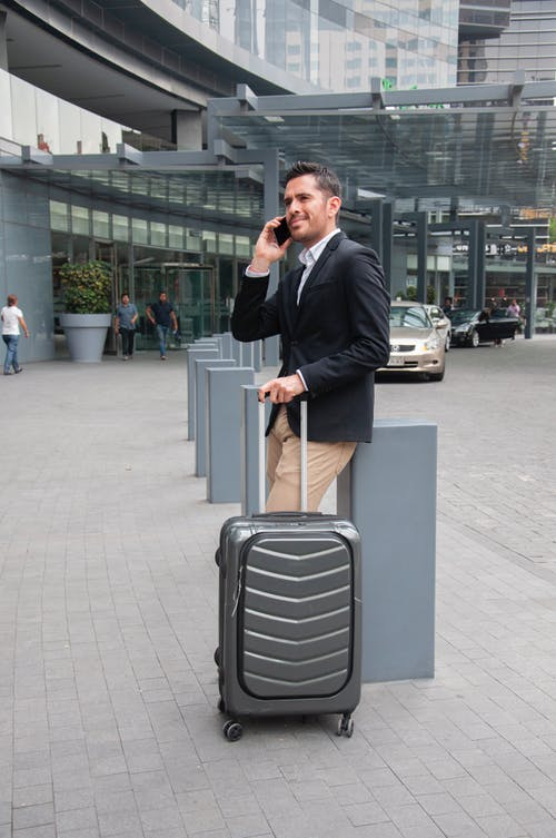 How to find the cheapest flight deals for your travels- Airport