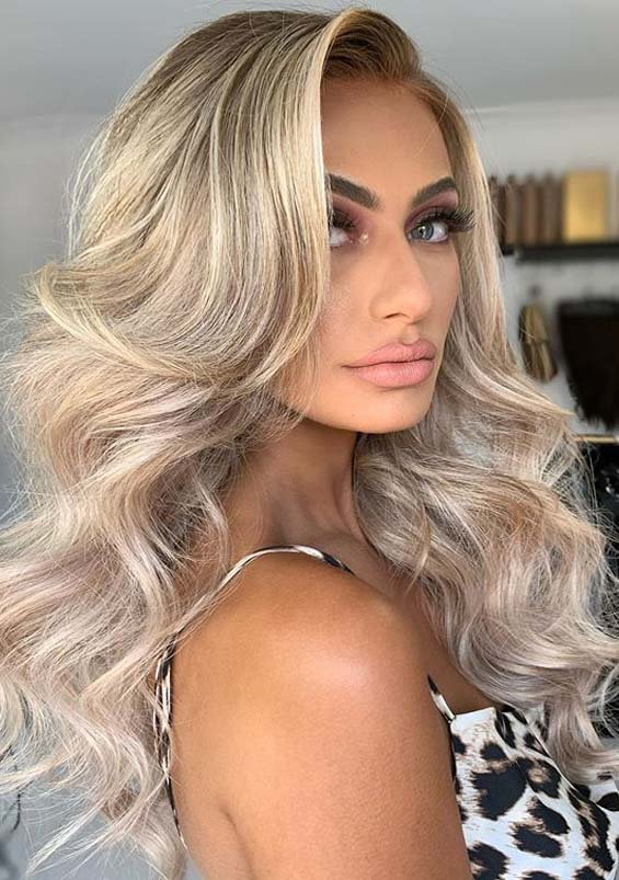Latest Long Wavy Hairstyles for Women in 2020