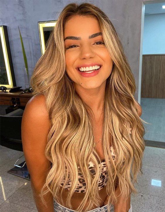 The Best Style of Blonde Hair Color for Long Hair