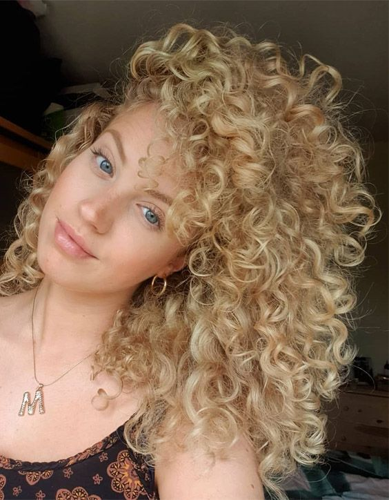Charming Style Of Shoulder Length Curly Hair For 2020