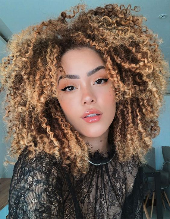 Good Looking Curly Haircuts & Style to Wear In 2020