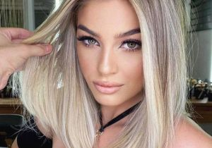 Gorgeous Hair Highlights & Style for Medium Length Hair