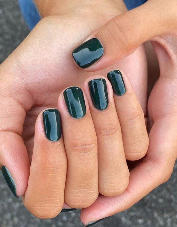 Most Fabulous Green Nails Look for 2020