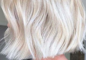 Short Bob Haircut Styles with Blonde Shades
