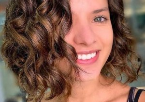 Stunning Short Curly Haircuts for Women