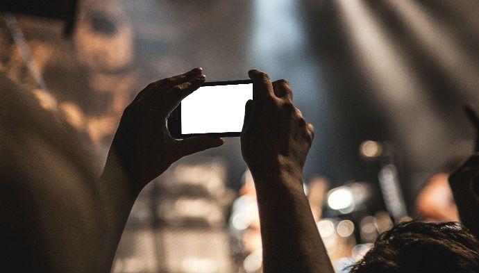Træt af skærmskoven på festival? Apple lukker måske for dit kamera