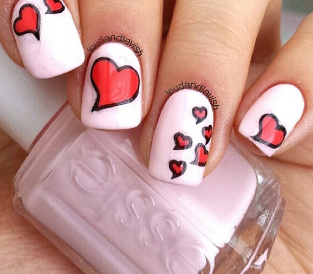 16-25 Romantic Heart Nails Designs
