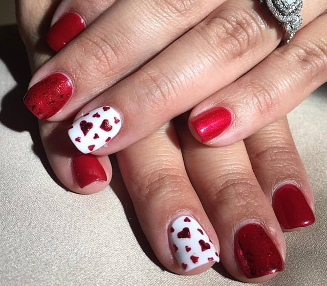 7-25 Romantic Heart Nails Designs