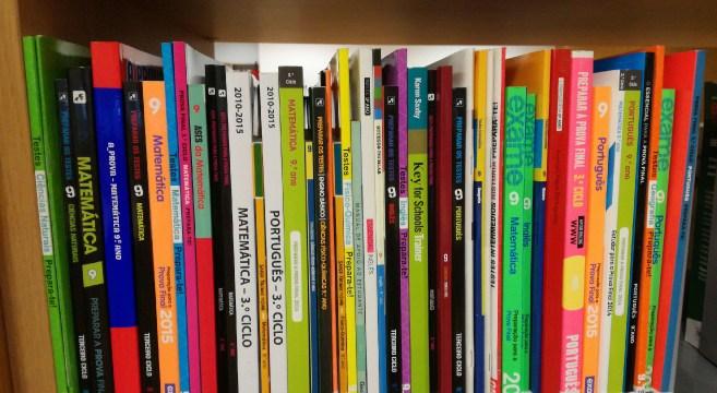 Manuais escolares Book in Loop