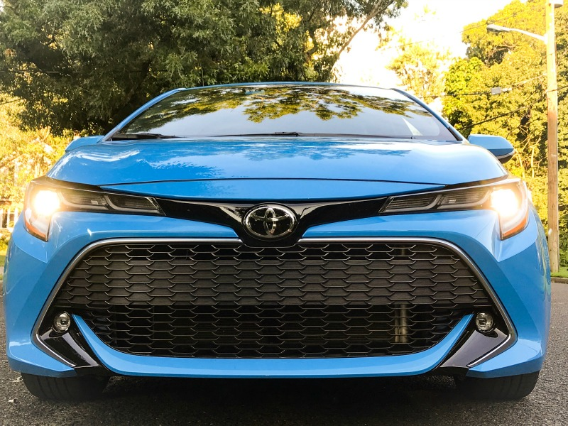 2019 Toyota Corolla Hatchback XSE with LED lights