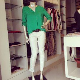 Trendy Store_Camisa verde bandeira e montaria off-white