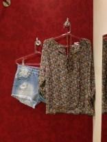 Trendy Store_Bata floral e jeans