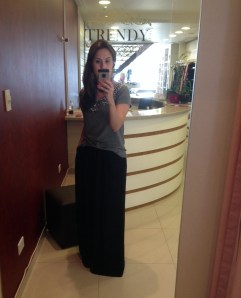 Trendy Store_Blusa pedraria e pantalona preta