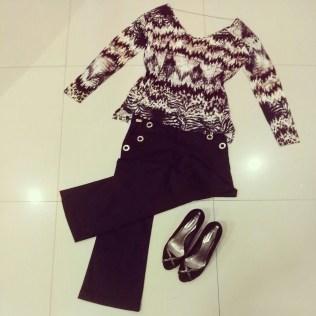 Trendy Store_Blusa estampa exclusiva Sly, flare preta alfaiataria