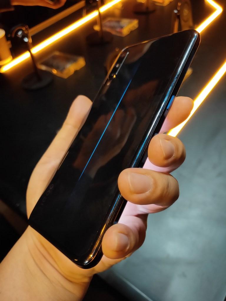 Trendy Techz Vivo iQOO Hands on