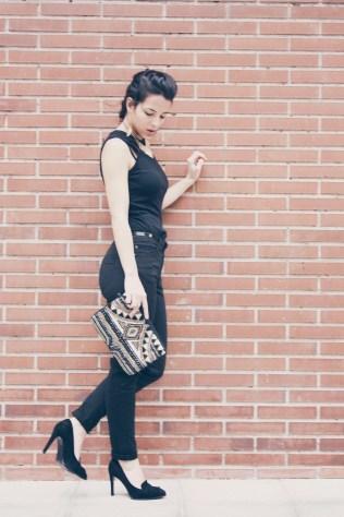 look outfit total black negro stiletto dorado marrón beige trendy two trendytwo carmen marta gemelas conjunto elegante 7