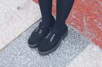 zapatos plataforma negros.jpg
