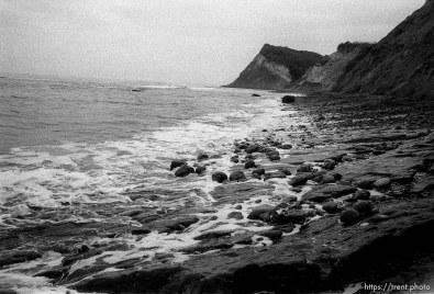 rocky coast at beach.