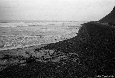 rocky coastline at beach.