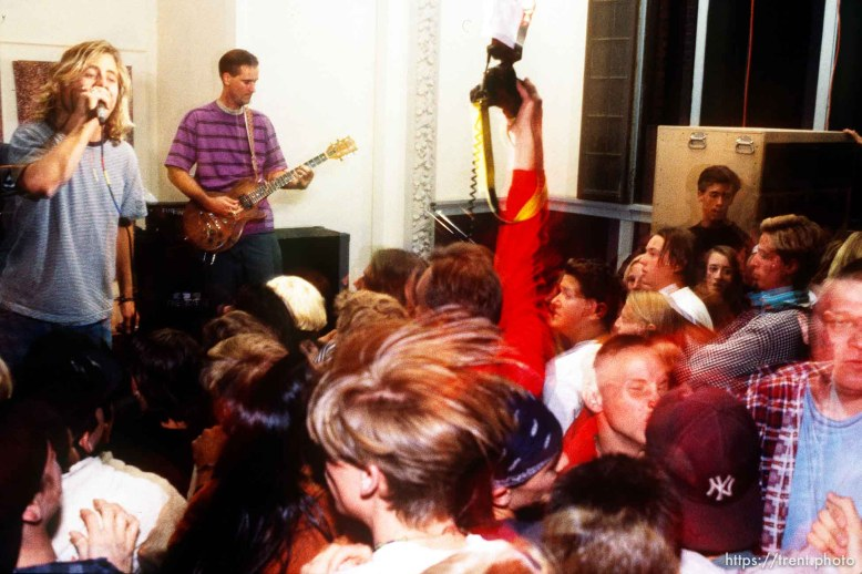 Bad Yodelers at the Pompoudor. Rick Egan shooting (red sleeve)