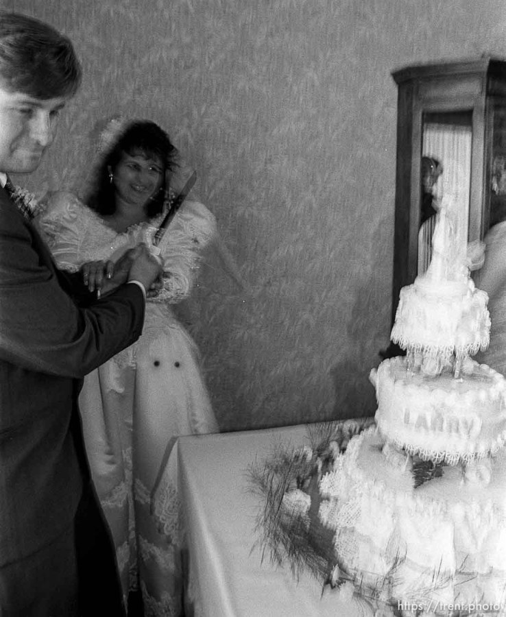 Larry Allen cake-cutting at Larry Allen's wedding
