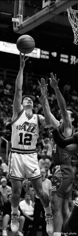 John Stockton shoots at Utah Jazz vs. Philadelphia 76ers.