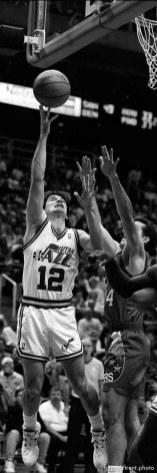 John Stockton shoots at Utah Jazz vs. Philadelphia 76ers.