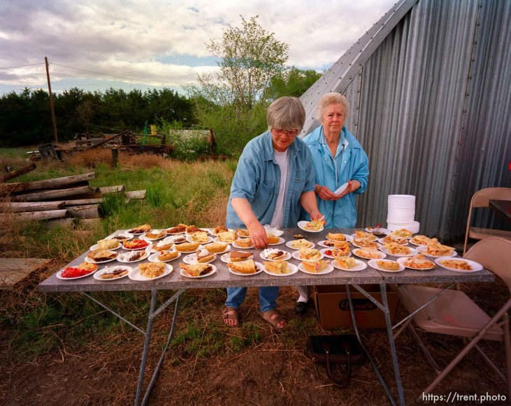 Donna Nelson & Lena Middleton serving up pie for a dollar at the Ham & Bean fundraiser dinner along the Mormon Trail. The fundraiser was for Susan Siffring, who has lukemia and just underwent a bone marrow transplant operation.