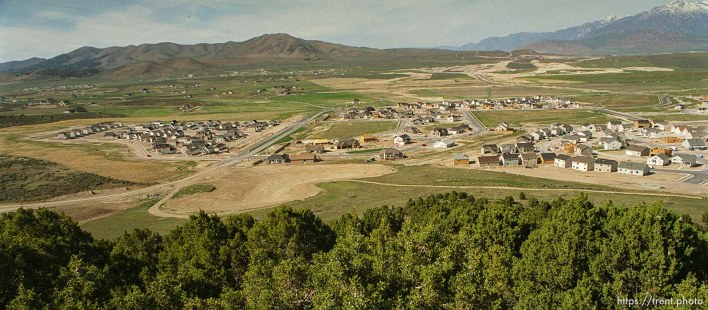 The Ranches, a subdivision in the new Utah County town Eagle Mountain. photo by Trent Nelson; 05/20/2000