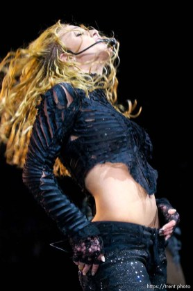Britney Spears performs at the Delta Center. 11/13/2001, 9:20:09 PM