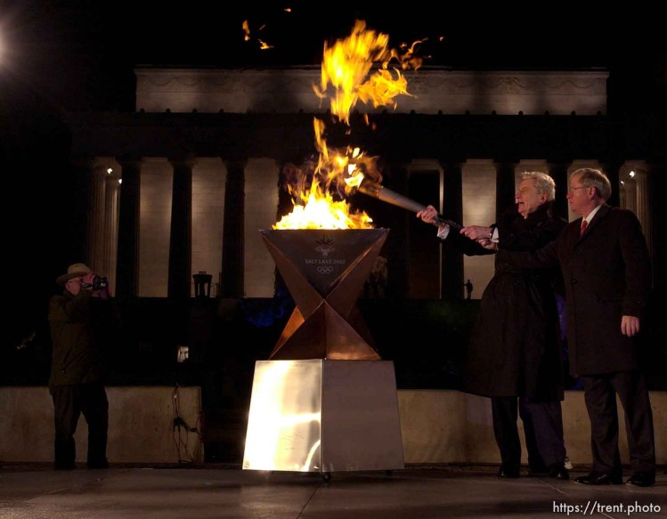 Lighting of the Olympic cauldron at the Lincoln Memorial. 12.21.2001, 5:49:16 PM
