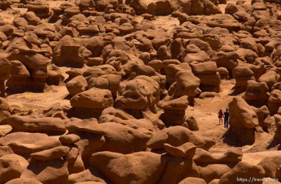 Goblin Valley; 05.27.2002, 12:37:40 PM