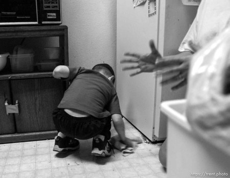Salt Lake City - after a spill. Single mother Monique Austin lives in Salt Lake City with her 4-year-old son Charlie. She has ten months to prepare for life without welfare and is working towards a high-school diploma and a well-paying job. 12.12.2002, 4:44:37 PM