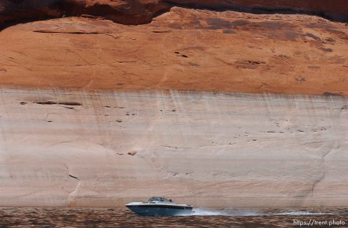 Landmarks which had previously been submerged in Glen Canyon are now becoming visible with the lower water levels in Lake Powell. 05.10.2003, 2:44:32 PM