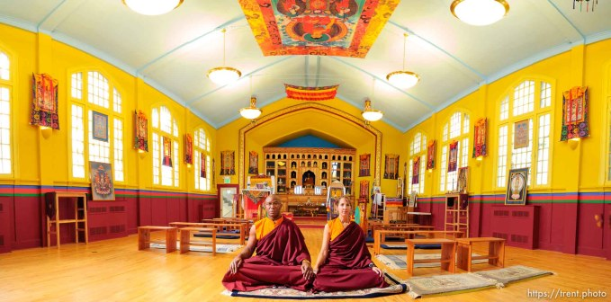 Lama Thupten and Jean Gardner at Salt Lake City's Urgyen Samten Ling Gonpa Tibetan Buddhist Temple. ; 10.06.2005