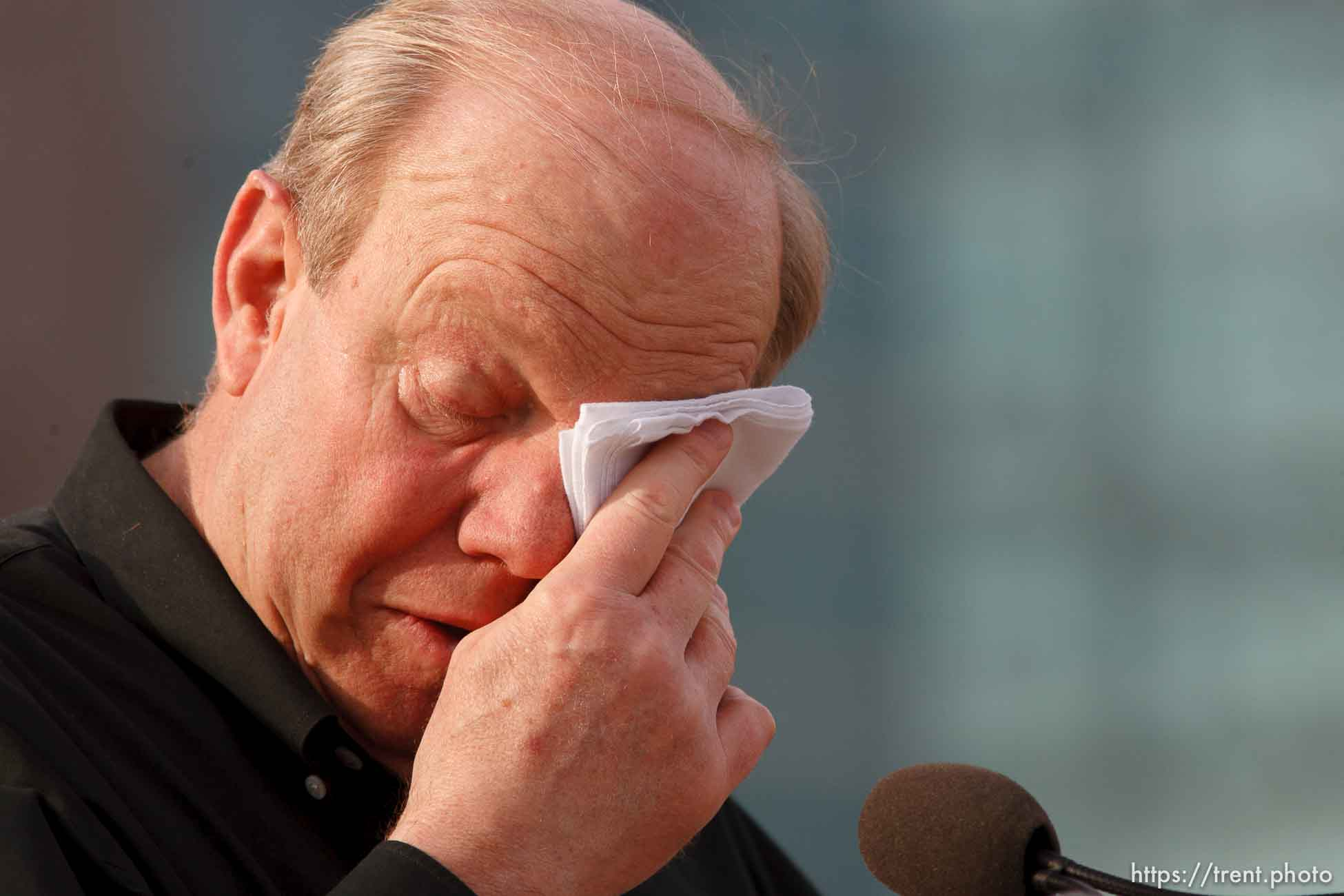 Larry Miller cries. Karl Malone statue ceremony at the Delta Center. 3.23.2006