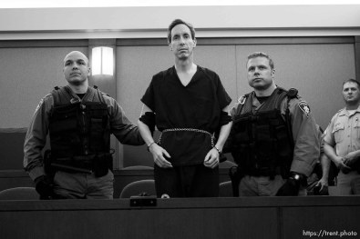 Handcuffed and flanked by Las Vegas Metro PD Swat officers, FLDS leader Warren Jeffs appeared before Judge James M. Bixler in the Clark County Regional Justice Center this morning and waived an extradition hearing, agreeing to be returned to Utah to face charges related to allegedly arranging an underage marriage. ; 8.31.2006