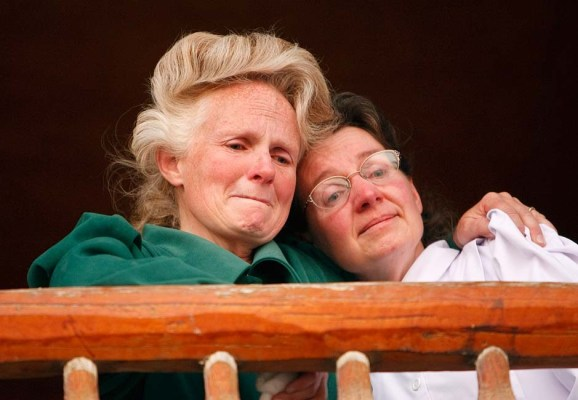 """Eldorado - FLDS women speak to the media after they were removed from their children Monday, April 14, 2008, at the YFZ """"Yearning for Zion"""" Ranch. This was the first time that the media was invited onto the ranch; 04.14.2008"""