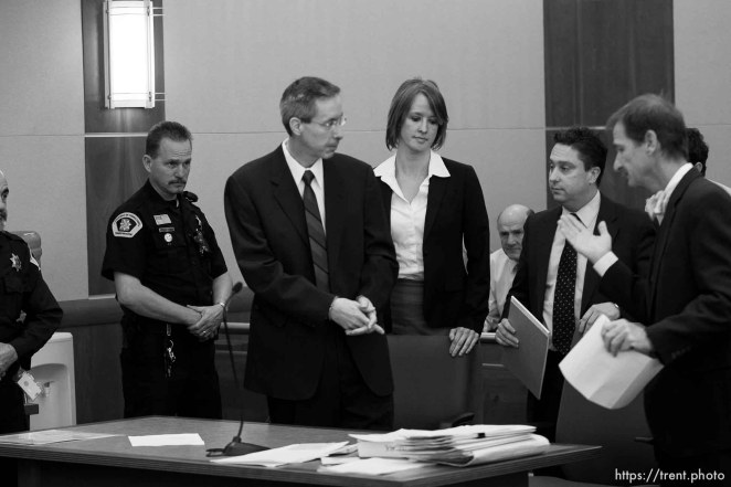 Trent Nelson | The Salt Lake Tribune Warren Jeffs, leader of the FLDS Church, appeared before Judge Terry Christiansen in Third District Court Tuesday, September 7, 2010 in West Jordan, Utah. At right is his attorney Tara Isaacson and Walter Bugden