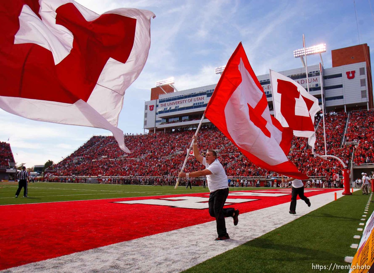 Trent Nelson | The Salt Lake Tribune Utah celebrates a first quarter touchdown as Utah hosts Washington State, college football at Rice-Eccles Stadium Saturday November 3, 2012 in Salt Lake City.