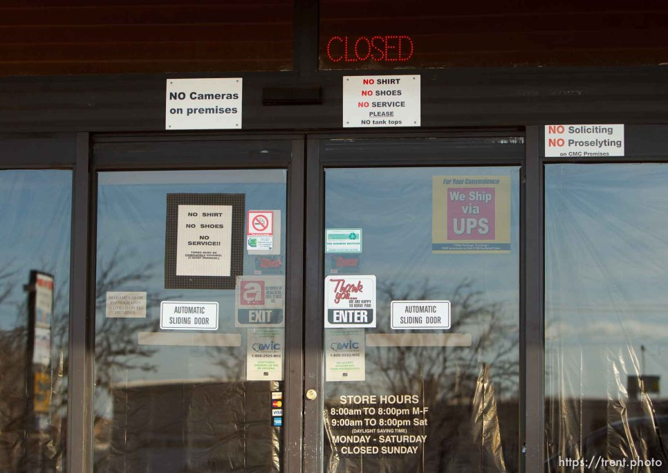 closed grocery store, Thursday November 29, 2012.