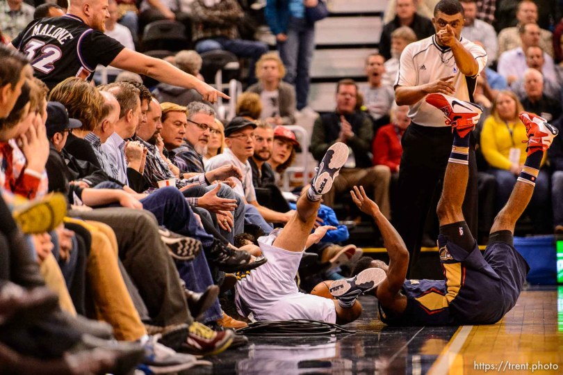 Trent Nelson | The Salt Lake Tribune Utah Jazz guard Raul Neto (25) and New Orleans Pelicans guard Norris Cole (30) drive out of bounds for a loose ball as the Utah Jazz host the New Orleans Pelicans, NBA basketball in Salt Lake City, Wednesday December 16, 2015.