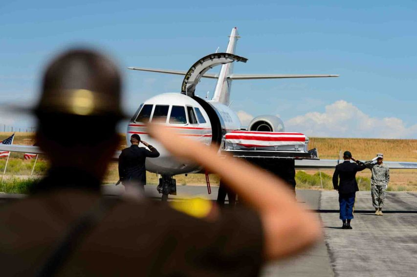 (Trent Nelson | The Salt Lake Tribune) The body of fallen soldier Aaron Butler, who was killed last week in Afghanistan, arrives at the Monticello Airport, Thursday August 24, 2017.