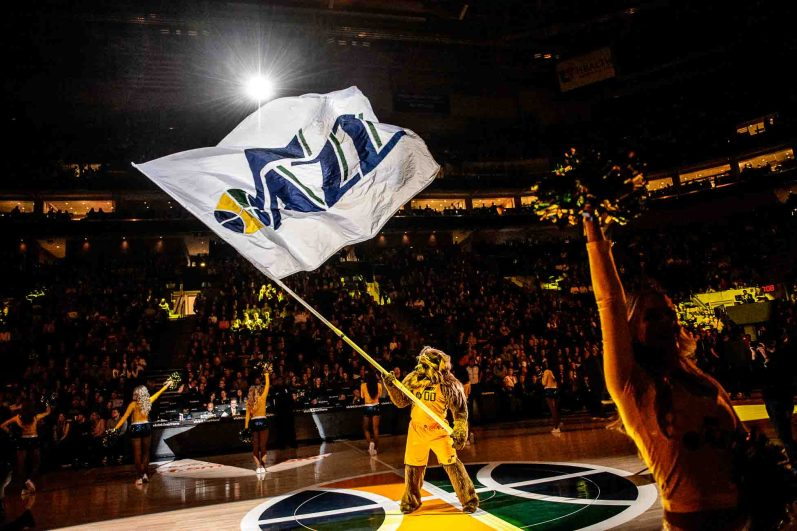 Jazz Bear waves a flag before the game as the Utah Jazz host the Milwaukee Bucks, NBA basketball in Salt Lake City Saturday November 25, 2017.