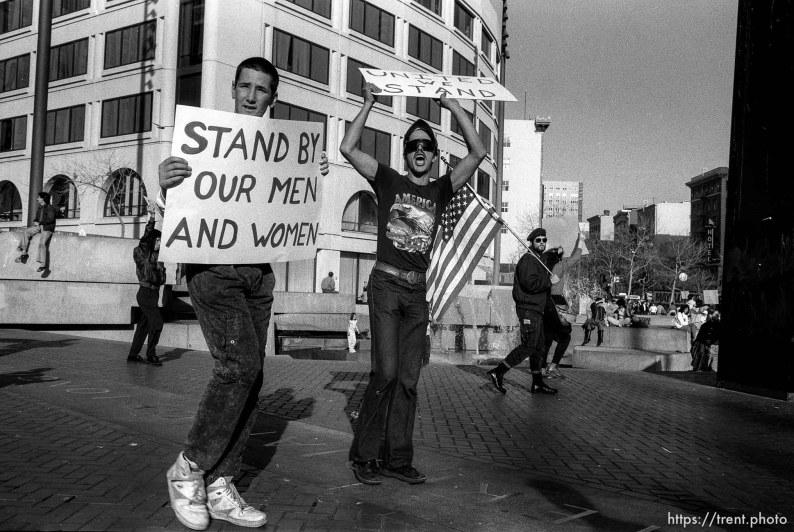 Pro-war marchers at Gulf War protest